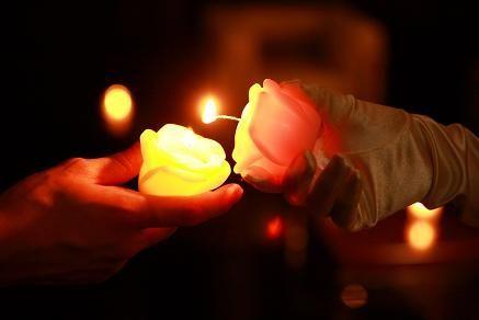 キャンドルリレーをもっと可愛く♡灯りが七色に変化する『マジックキャンドル』って知ってる?にて紹介している画像