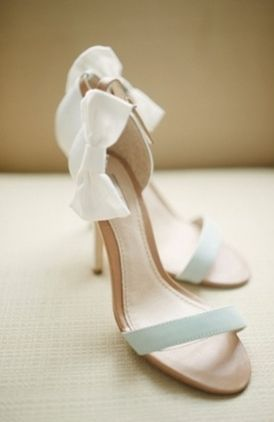 どれが履きたい?color別♡リボンが可愛いお靴カタログにて紹介している画像