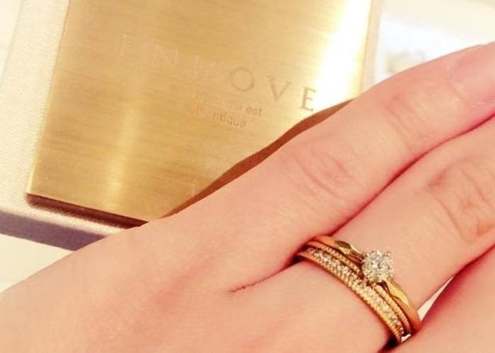 流行ってるからこそ、基本が知りたい*結婚指輪と婚約指輪の重ね付けのルールと選び方♡