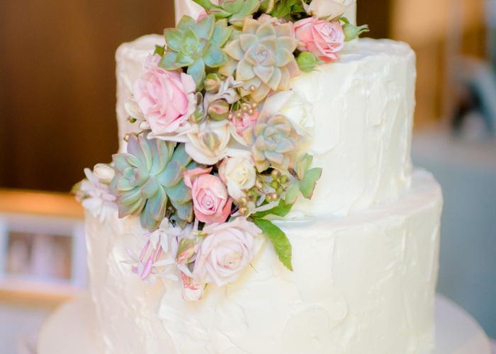ぷっくり感がたまらなく可愛いっ♫『多肉植物』をつかったウエディングケーキが流行りそうな予感*のトップ画像
