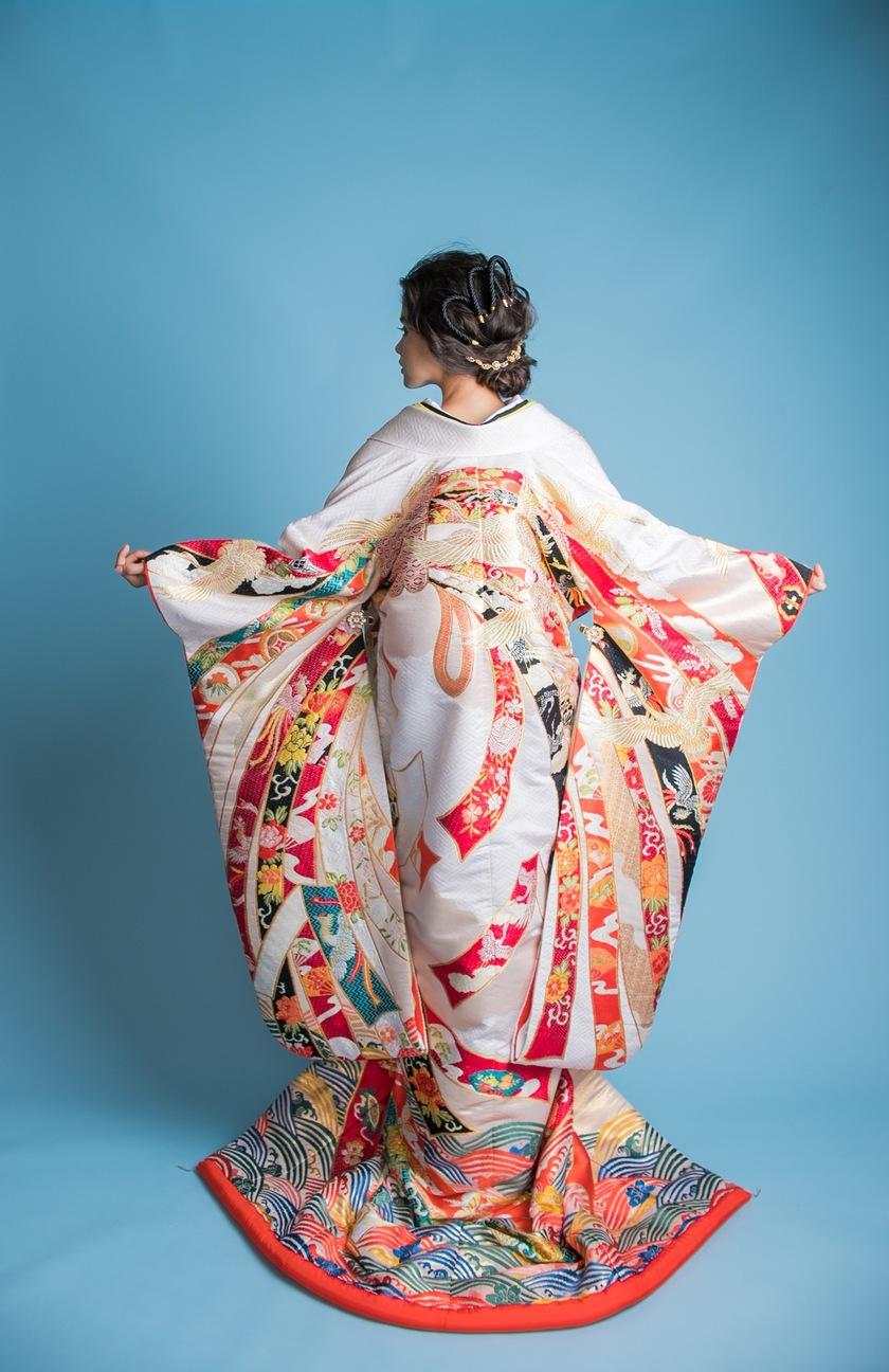 知っていると、より深い花嫁になれそう♡色打掛に施された『定番の模様の意味』まとめ*にて紹介している画像