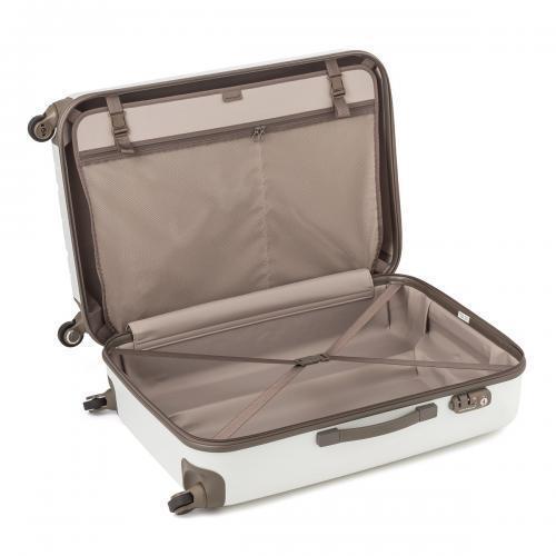 荷物いっぱいの新婚旅行!スーツケースは絶対にレンタルするのがお得でおすすめ*にて紹介している画像