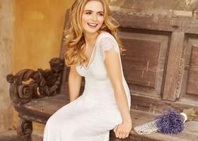 プリンセスライン・Aライン・エンパイアラインにベルライン....**それぞれのドレスには特徴があって、着こなし方も様々♡あなたにとっての運命の1着はどれ?