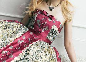 ジルスチュアートのウェディングドレスを色別にまとめました♡ヴィンテージを感じさせるデザインが魅力的!淡いピンクに大きなリボン、パープルのお花、ジルの魔法で花嫁に最高のウェディングを!JILL STUARTのウェディングラインに注目です!