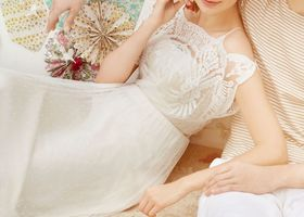 アンソロポロジーのウェディングドレス*Anthropologieは高級なカジュアルを扱うセレクトショップ!BHLDN(ビーホールディン)は透明感のあるレースのウェディングドレスライン、印象的なギャザー、胸元の刺繍、オーガンジードレス!
