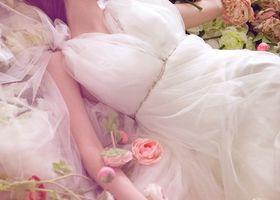 """【""""眠れる森の美女""""ウェディング集】ウェディングドレス、テーブルコーディネート、スイーツ、ウェディングケーキ、空間コーディネートをオーロラ姫風にしましょう*これであなたもディズニーのおとぎ話のお姫様になれちゃう!"""