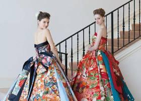 """柄は着物の和風で形はカクテルドレスのシルエットの""""和ドレス""""で着物とウェディングドレスのいいとこ取り!和柄を用いた欲張りウェディングドレスは和柄のプリンセスラインからミニ丈ドレスまで幅広くあり、日本の女性にとっても似合うこと間違い無し!"""