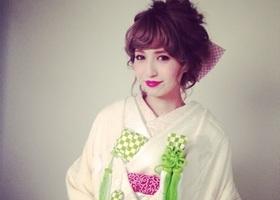 福岡のカリスマ美容師Rumiさんは雑誌「mina(ミーナ)」で特集も組まれるほどの人気ぶり!関東や関西からも「ルミさんにカットしてほしい!」「アレンジしてほしい!」とファンが続出の魅力の秘密に迫ります。