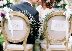 高砂のデコレーション方法特集!披露宴で新郎新婦が座るメインテーブルを可愛く装飾するアイディアをご紹介♪結婚式のテーマに合わせて飾り付けしたり、イニシャルオブジェやガーランドを飾るのも人気!可愛い高砂を作りましょう*