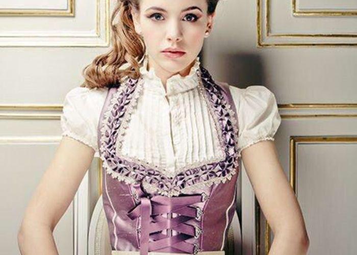 メルヘンの国ドイツの伝統衣装♡花嫁が着る『ディアンドル』が可愛い♬*゜のトップ画像