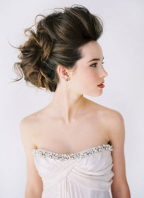 マリーアントワネット風♡上に上に結い上げたロマンティックな盛り髪COLLECTION♡にて紹介している画像