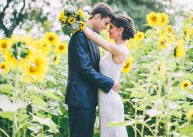 『わたしはあなただけを見つめる。』 素敵な花言葉を持つ太陽のお花♡ ひまわりをテーマにした結婚式は夏の花嫁さんの特権です*