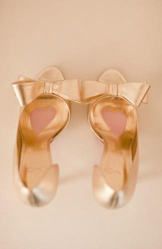 きらきら輝く♡ロマンティックで可愛いシャンパンゴールドのヒールCOLLECTION♡にて紹介している画像