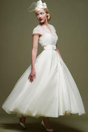 可愛くって上品♡エレガントな50年代風ウェディングドレスの特徴まとめ*にて紹介している画像