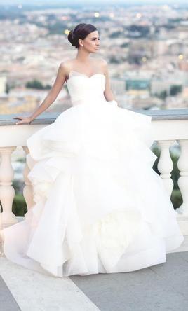 大人気ブランド♡『vera wang』の可愛いすぎる人気ドレス3選*にて紹介している画像
