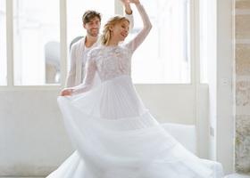 『MAGNOLIA WHITE(マグノリアホワイト)』が表参道に2015年7月18日オープン!世界中の旬なインポートドレスを扱う話題のウェデングドレスサロン、マグノリアホワイトで着られるドレスをご紹介*その世界観に、うっとりします♡