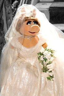 海外セレブも憧れる!ヴィヴィアン・ウエストウッドのウェディングドレスはゴージャス♡にて紹介している画像