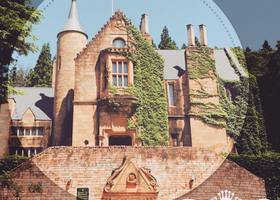 中世ヨーロッパ風のお城が、なんと群馬にあるんです!『ロックハート城』のプリンセス体験では150種類以上のレンタルドレスの中から選べて、プリンセス姿で写真撮影もできちゃう*プリンセス体験が大人気♡