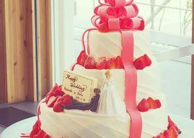 ウェディングケーキのデザイン決めは、いろんなわがままを詰め込める、とっても楽しい結婚式準備♩あなたはどんなウェディングケーキにしたい?