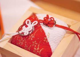神前式でおすすめ*和装を着て、指輪交換する花嫁さんに参考にしてほしい♡『升』を使った、和風なリングピローをご紹介*