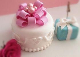 1dayレッスンでも作れちゃう手軽さと楽しさが人気♡クレイケーキなら、可愛すぎるウェディングケーキをお家にずーっと飾っておきたいという願いが叶います*