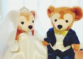 可愛いお人形でゲストをお出迎え♡ラブラブなふたりの関係が分かって、ゲストがにっこり笑顔になれるようなキャラクターをウェルカムドールに選びたい♩