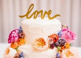 可愛いウェディングケーキ作りに欠かせない、ケーキトッパー*『どんなデザインがあるの?』の疑問に答えます♡