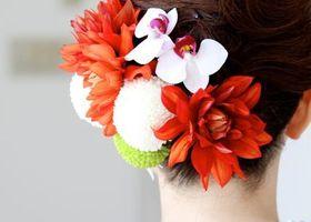 和装に合う髪型は、やっぱり華やかな髪飾りをつけたまとめ髪♡色打掛にも白無垢スタイルにもぴったりな素敵ヘアアレンジまとめ*