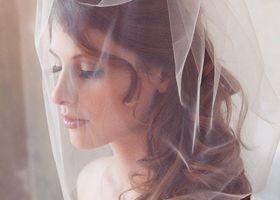 纏いたいのは、天使のピュアさ♡誰よりも輝く花嫁になる為のウェディングヴェールの種類はどれ?神聖なアイテムの「ヴェール」のタイプ別まとめ!