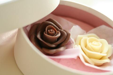 本物のバラみたい!可愛すぎる『メサージュ・ド・ローズ』のチョコレートに胸きゅん*にて紹介している画像