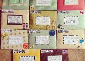 寂しいときに開ける用、ケンカした時に開ける用、愛が溢れた時に開ける用...*シチュエーションに合わせた内容のお手紙をまとめて贈る、海外の風習『open when letters』が素敵すぎ♡