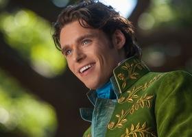 エマ・ワトソンにクロエ・モレッツ♡プリンセス役ばかりが注目されがちな実写版ディズニー映画ですが、王子様役の俳優さんもこんなに素敵*見つめられたら、恋に落ちちゃう!
