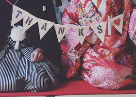 結婚式をしたり入籍した新婚さんは、翌年の年賀状はご報告の為にも夫婦の幸せな写真付きデザインを送るのが定番*前撮りするなら絶対に撮っておきたい「新年のご挨拶用」フォト特集♡