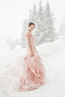世界的人気!ヴェラ・ウォンのウェディングドレスが夢みたいにロマンティック♡にて紹介している画像