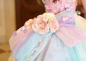 SNSで人気の虹色ドレス*ドレスのデザインが虹色になっていたり、グラデーションになっているカラードレスはみんなの憧れ!〔レインボードレス&グラデーションドレス〕が着られるブランド5選*